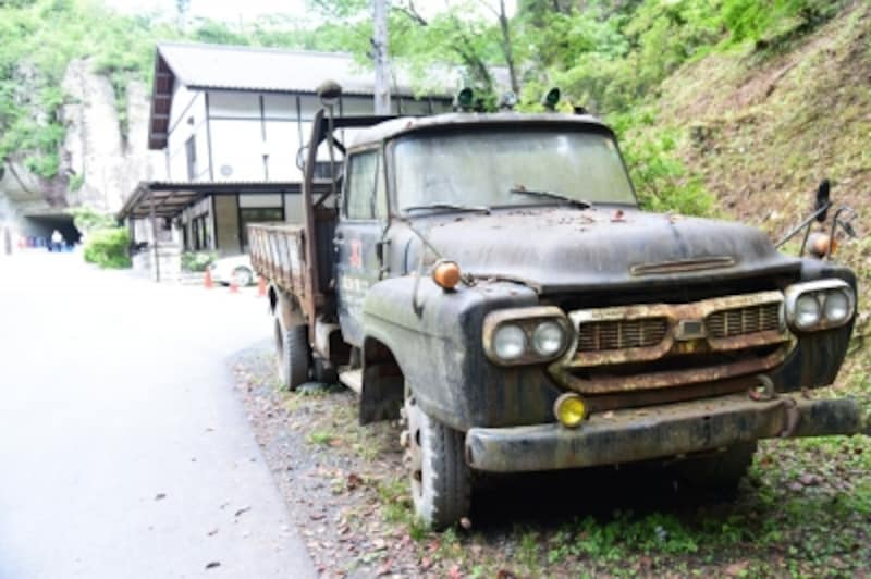 昭和を思わせる、昔懐かしいボンネットトラック