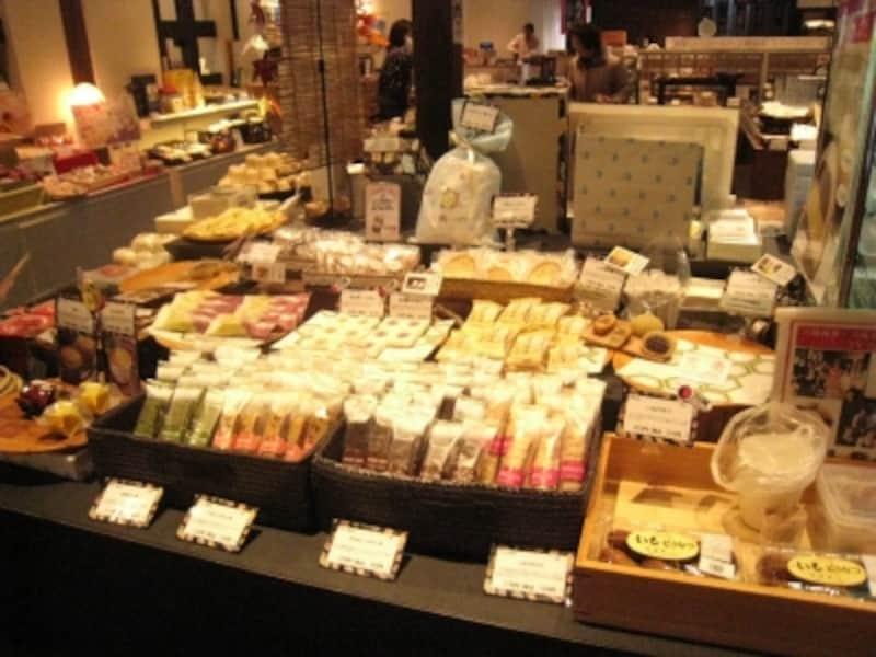 菓子も一つずつから購入可能。いろんな種類をたくさん買いたい。
