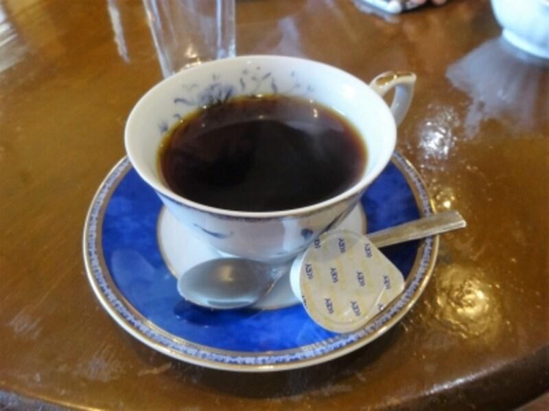 暑いときには熱いコーヒー