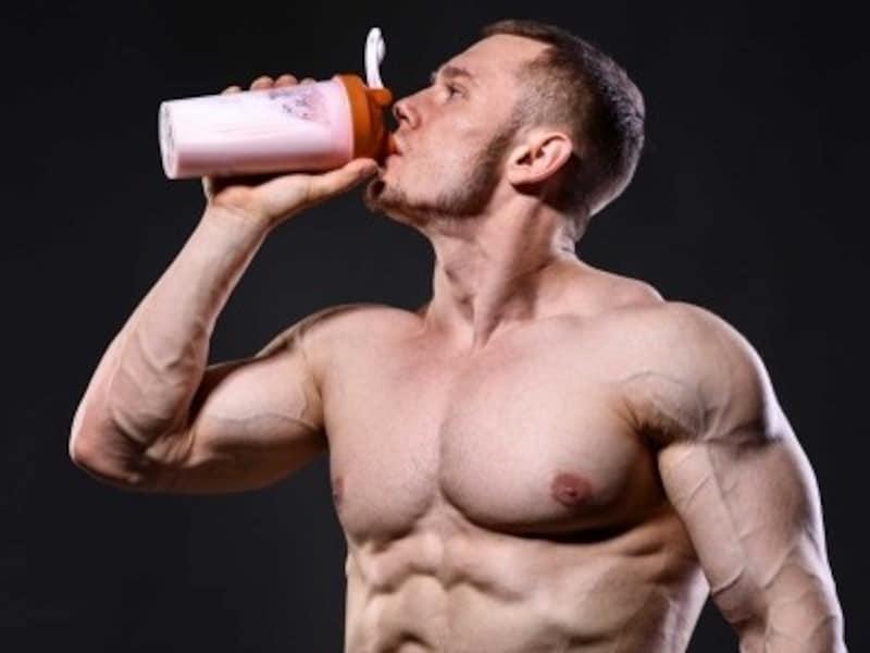 タンパク質を吸収しやすく加工したものがプロテイン
