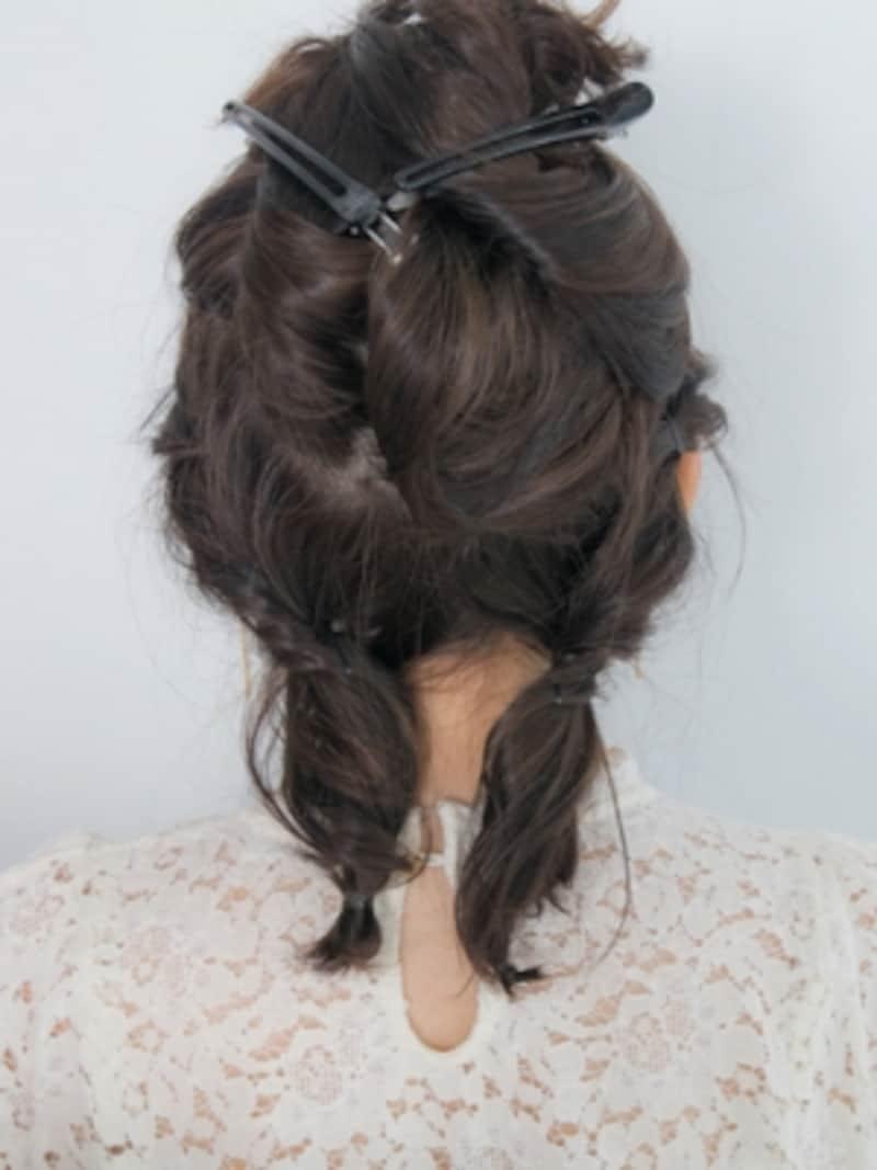 ねじった毛先をシリコンゴムで結ぶ
