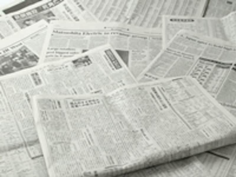 湿気吸収に大活躍の新聞紙