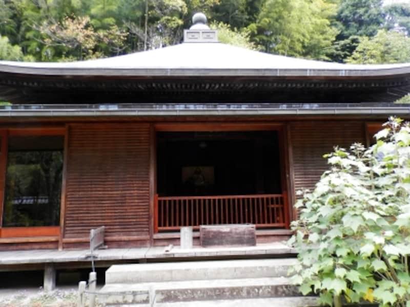 東慶寺の本堂