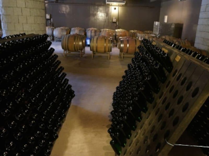 安心院葡萄酒工房で瓶内二次発酵している様子