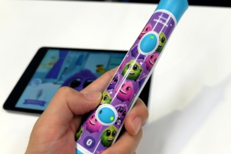 アプリと連動して正しい歯磨きを促進する