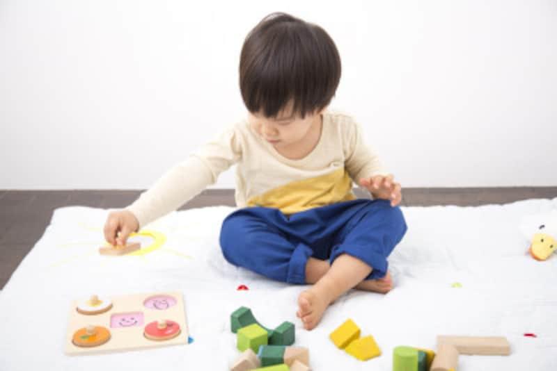 2歳児の喧嘩は止めるべき?それとも見守るべき?