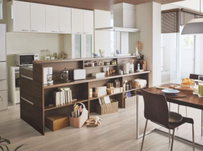 対面キッチンのダイニング側にコーヒーメーカーなどのスペースを確保しても。[アレスタ]undefinedLIXILundefinedhttp://www.lixil.co.jp/