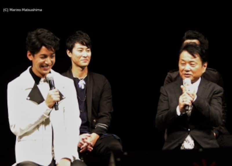 製作発表では演出・小池修一郎さんから大野さんはじめ、キャストの一人一人に期待の言葉が。(C)MarinoMatsushima