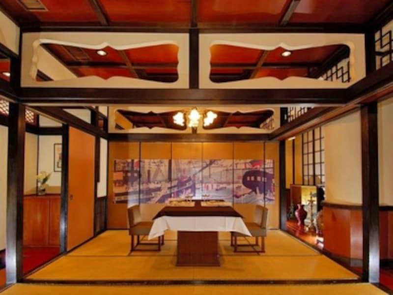 2階お座敷ルームは異国情緒あふれる空間で最上のもてなしを受けられます(画像提供:霧笛楼)