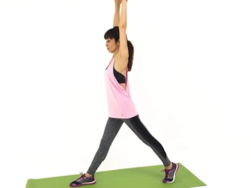 そけいぶストレッチ2undefined腹筋背筋で背骨を伸ばし、バランスをキープしましょう。