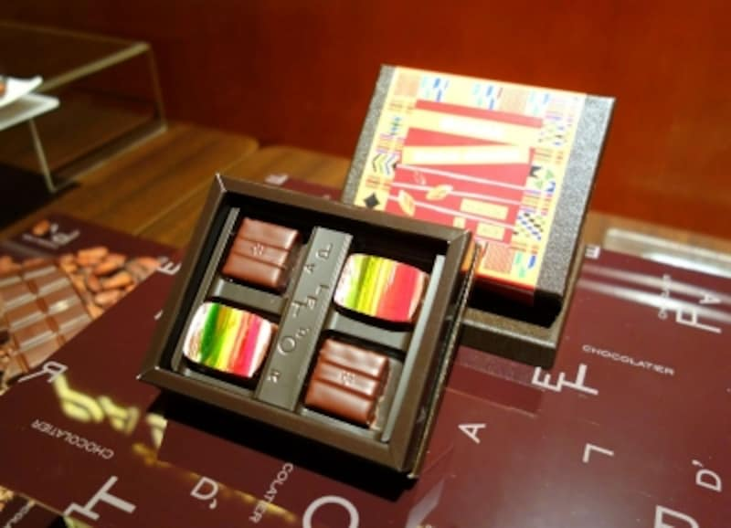 ガーナのカカオ豆から作ったチョコレートをボンボンショコラに