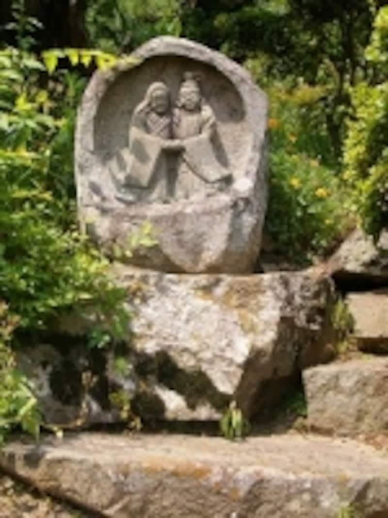 信州各所で見られるカップルの道祖神