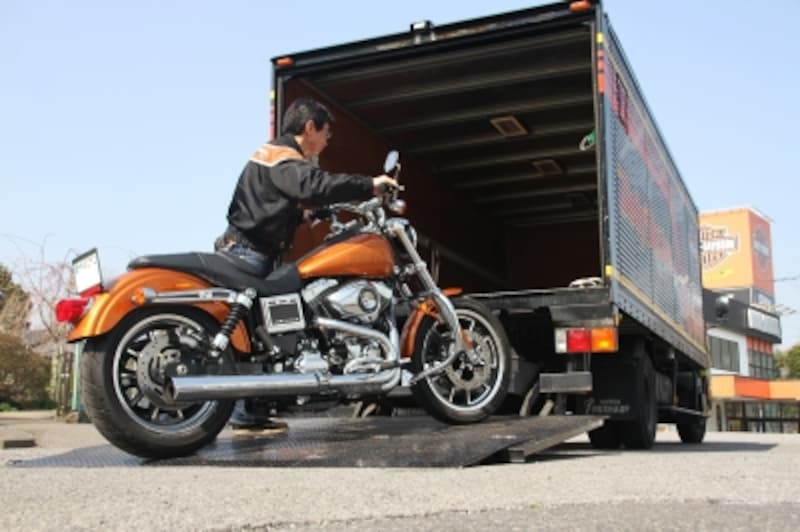 旅先でバイクが動かなくなる……そんなどうしようもないときに頼りになるのがロードサービスだ。その特性を見極めて、自分に合ったロードサービスに加入しておこう