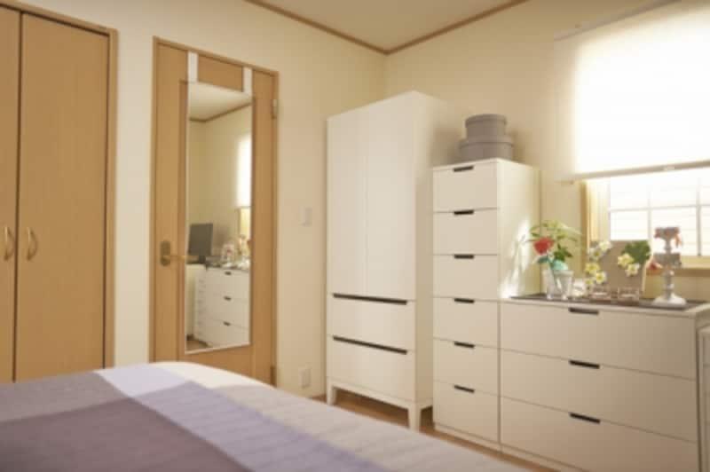 寝室のワードローブ整理と収納