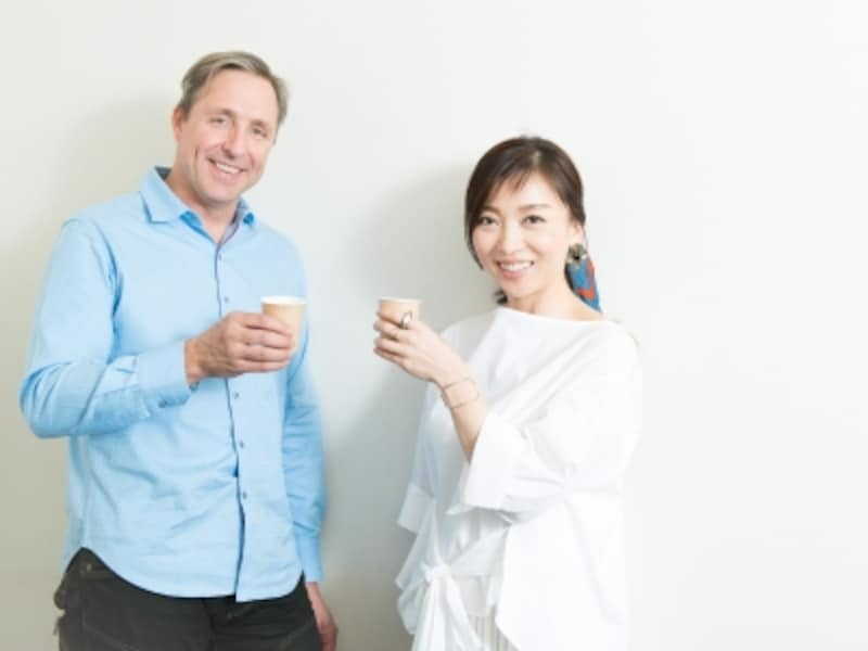 バターコーヒーで乾杯!デイヴ・アスプリー氏と、ダイエットガイド和田清香