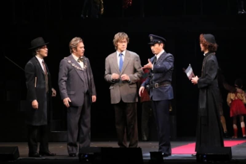 『貴婦人の訪問』写真提供:東宝演劇部