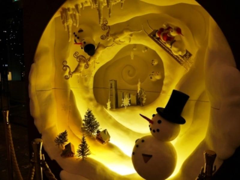 デコレーター門口氏が制作した、みなとみらいがクリスマスに包まれているイメージのオブジェ(2016年11月9日撮影)