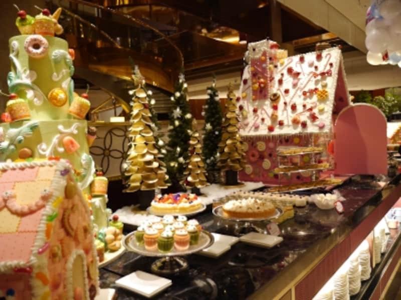 クリスマスデザートフェア「ヘンゼルとグレーテルのお菓子の家」