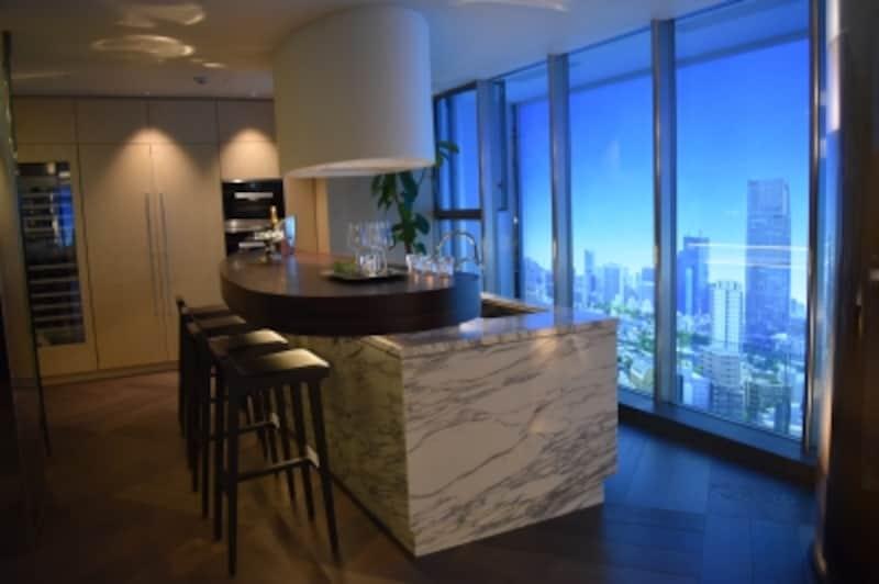 モデルルームのキッチン