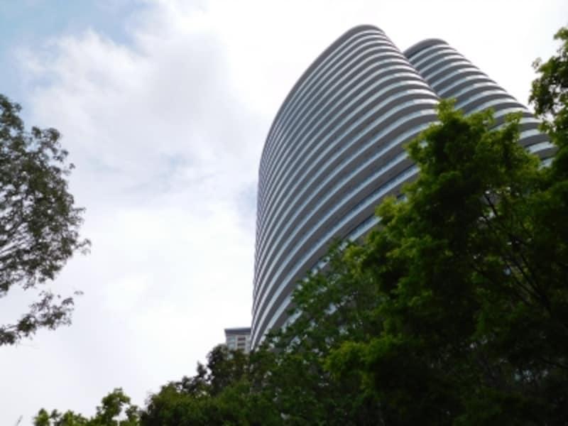 「パークコート青山ザタワー」の外観