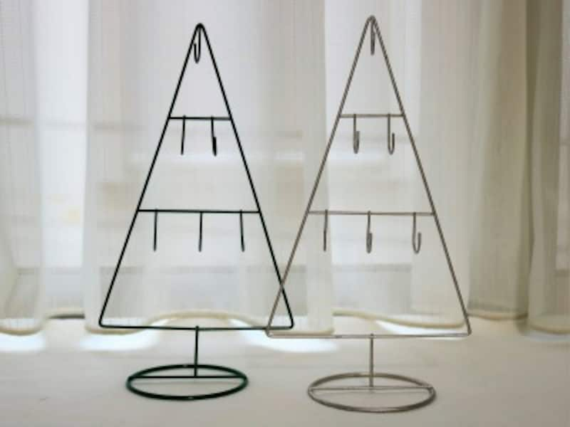 ナチュラルな雰囲気のワイヤークリスマスツリー