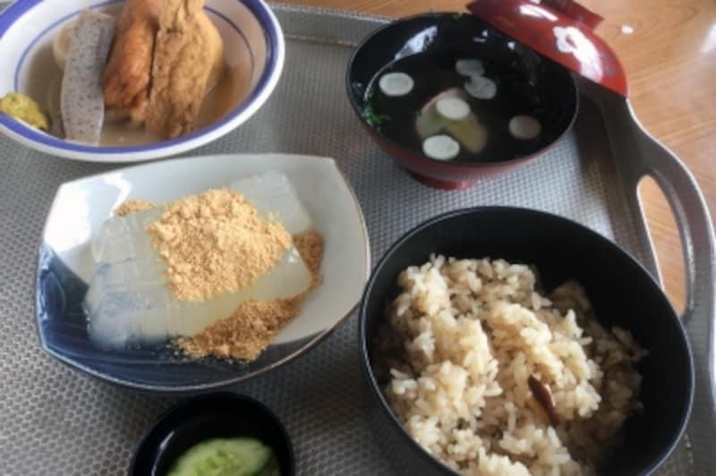 花矢倉の茶屋でお昼休憩