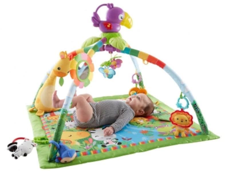 赤ちゃんの動きに反応する楽しい仕掛けの他、約20分間の自動演奏モードも搭載
