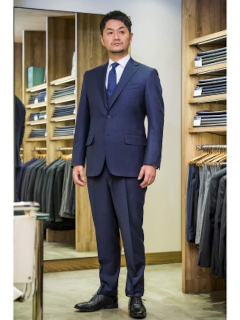 ジャケット5万6000円(オプション付き)、ベスト2万6000円(オプション付き)、パンツ2万4000円。※ベストはセット購入の場合は1万円。単品だと上記金額
