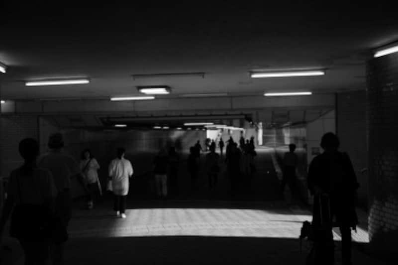 藤沢駅の南北を結ぶ地下道(撮影:MIWAKATOH)
