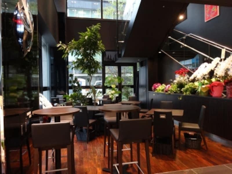 「トシ・ヨロイヅカ東京」の1階カフェ