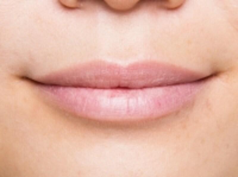 ほんのりピンク味がかったすっぴん唇