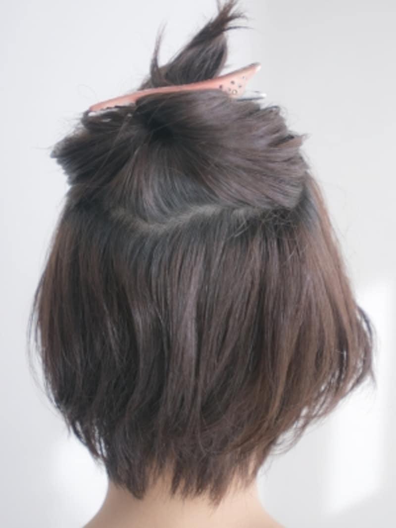 ハチ上の髪をブロッキング