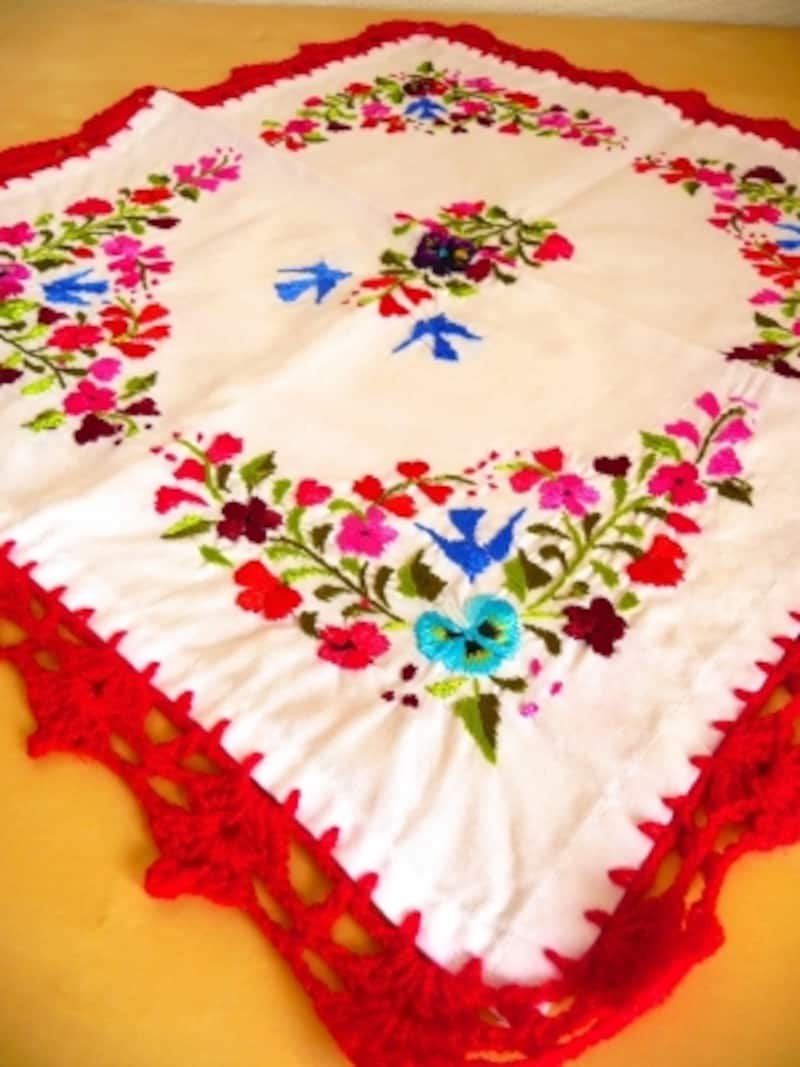 オアハカ州、サンアントニーノ村の刺繍クロス(C)YokoSakuraiさる屋,saruyaoax.com