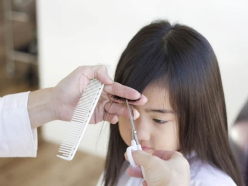 子供(女の子)の前髪はどこからカットする?前髪の切り方を紹介