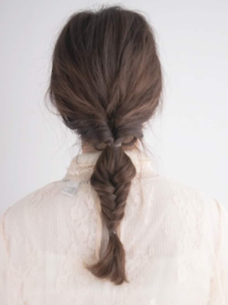 髪色に近いシリコンゴムを使う