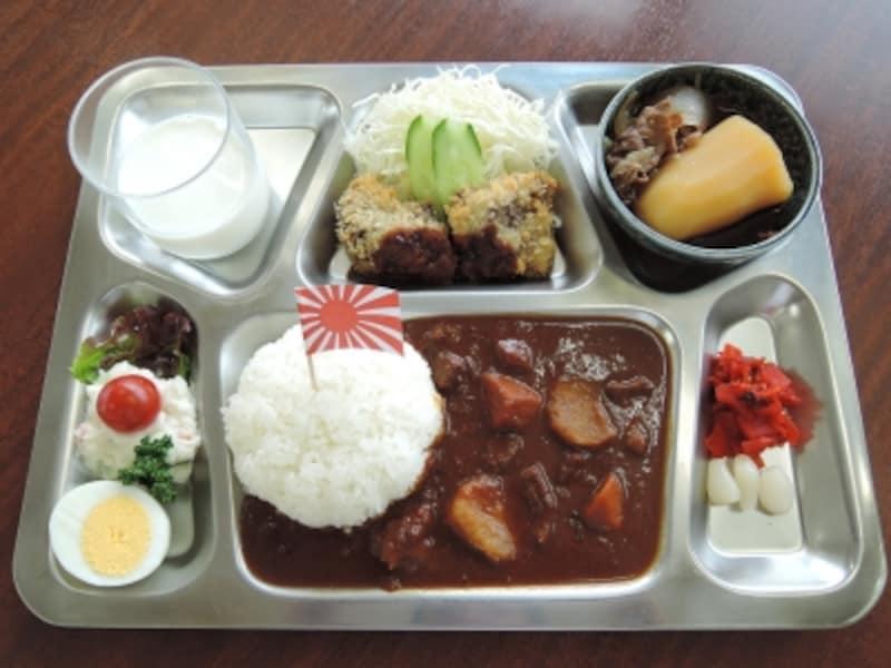 「呉ハイカラ食堂」の潜水艦そうりゅうのテッパンカレー(写真提供:呉市観光振興課)