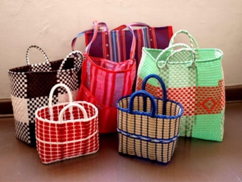 ポップなメルカドバッグは色、形ちがいで、たくさんそろえたいアイテム