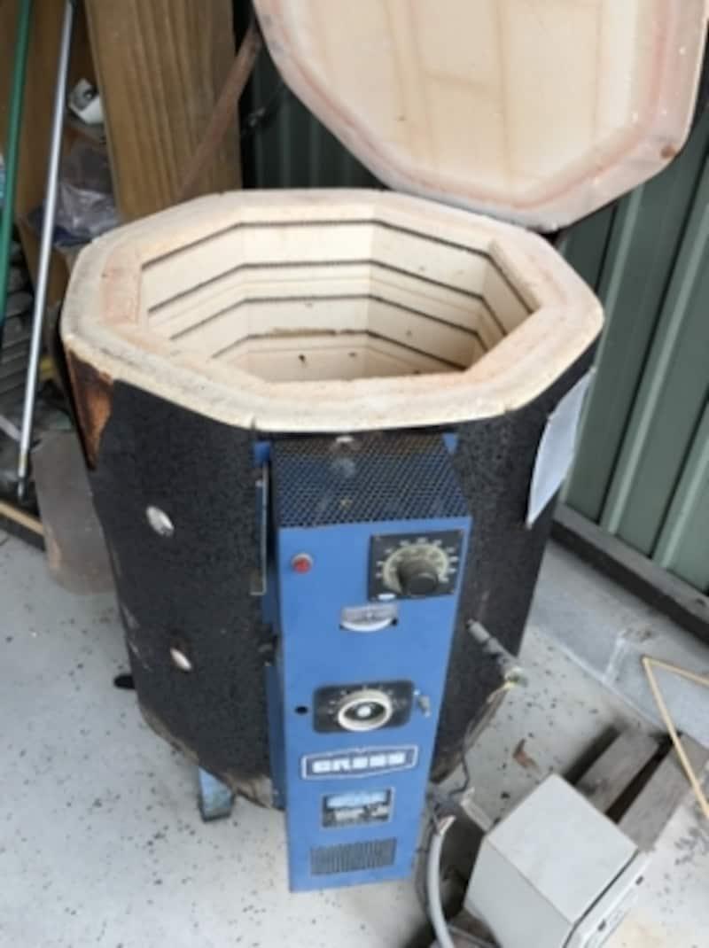 窯はかなり小さなサイズ。