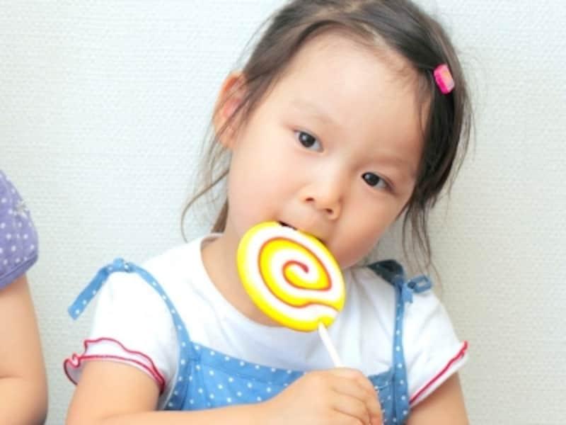 あのお菓子は、子供の場合何歳から食べていいの?