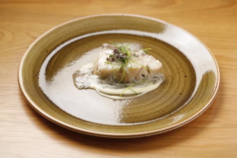 ディナーコースの魚料理一例