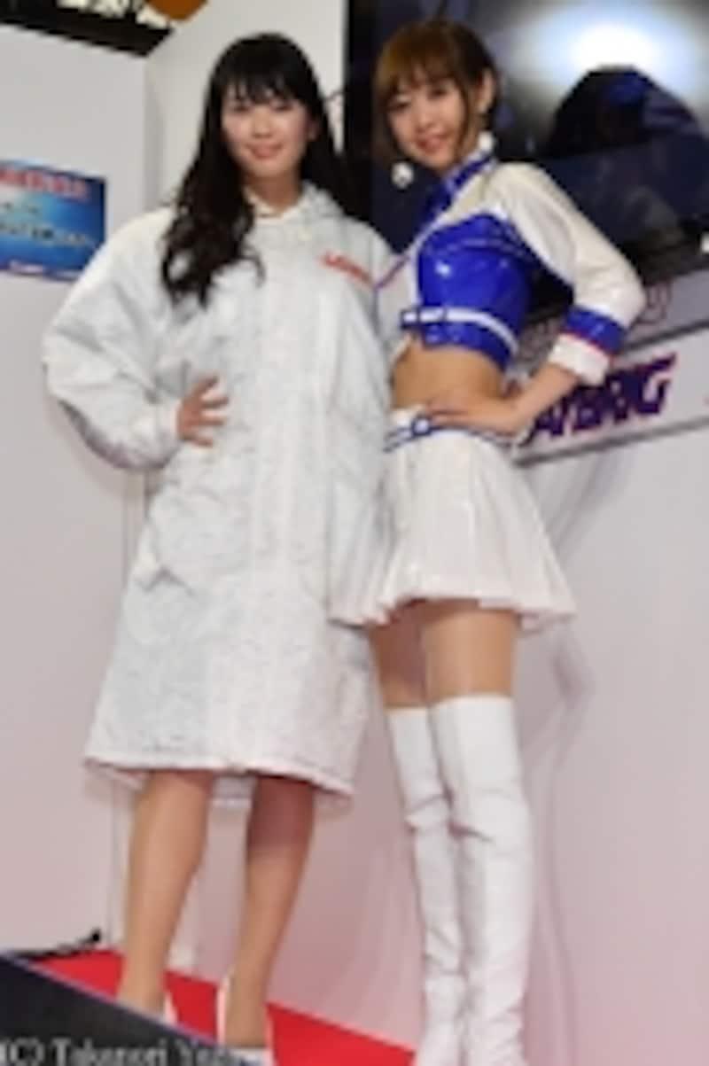 2017年RAYBRIGレースクイーンのはらことはさん(左)と林紗久羅さん(右)