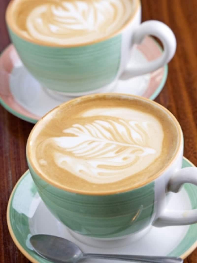 カフェ併設の専門店なら、コーヒーの味を確かめることができる。画像はホノルル・コーヒー
