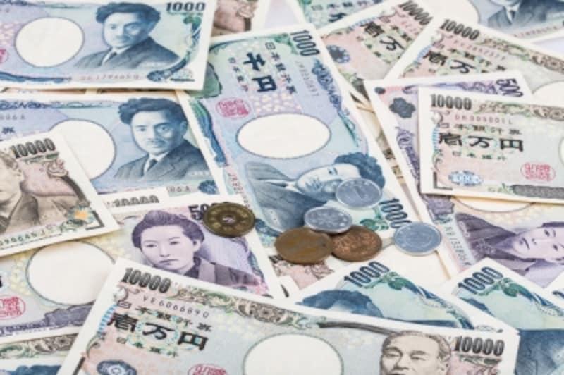 毎月1万円の貯金を続けると、10年後には120万円、20年後には240万円に