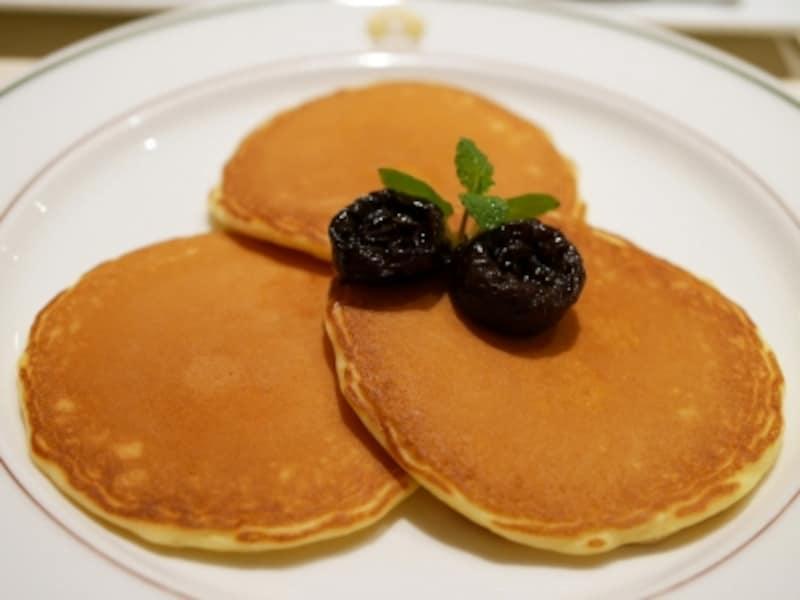 お客さまの要望で「ザ・カフェ」にパンケーキが登場!undefined美しい焼き色が上品(2017年1月19日撮影)
