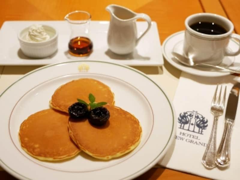 パンケーキ(1296円)、コーヒー(810円、おかわり可)※価格は税込、サ料別(2017年1月19日撮影)