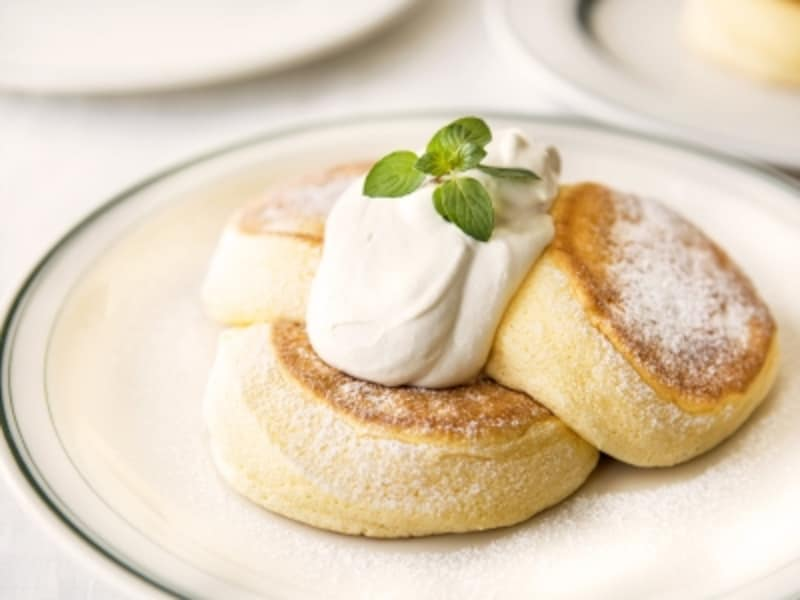「奇跡のパンケーキプレーン(1000円税別)」……ふわふわとした口どけが特徴。オリジナルメープルバタークリームと一緒にどうぞ(画像提供:FLIPPER'S)