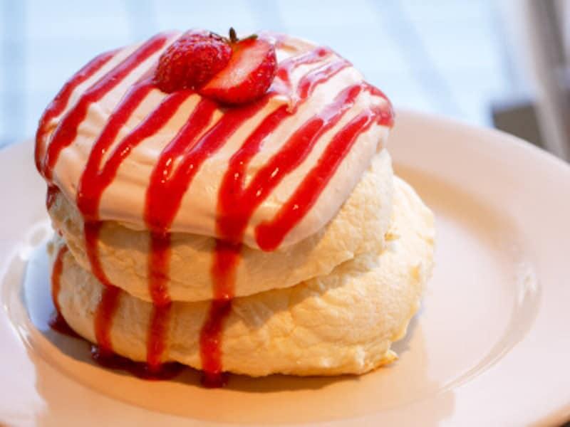 イチゴマスカスポーネパンケーキ(1390円)。オーダー後に焼き上げるので20分ほどかかります(2019年1月31日撮影)