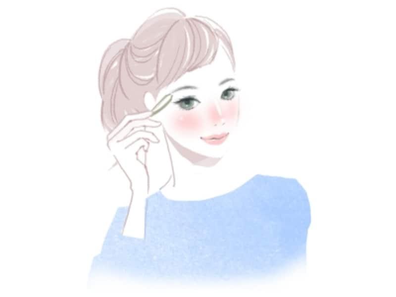 太くて濃い眉をふわふわ眉に整える方法