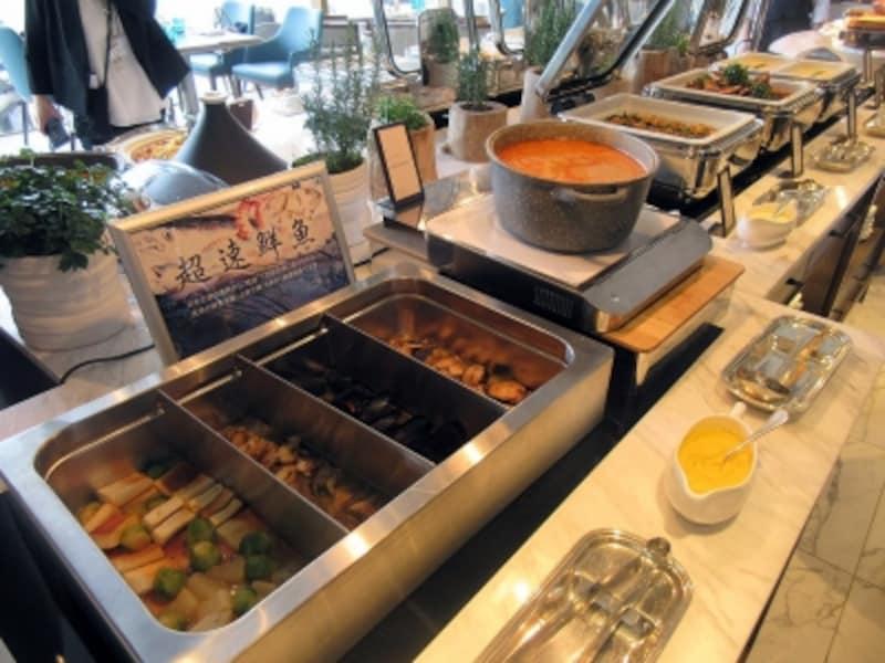 温菜のブッフェ台