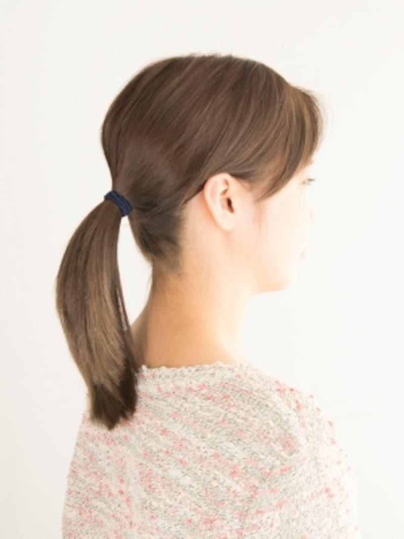 輪っかゴムで髪を結ぶ方法